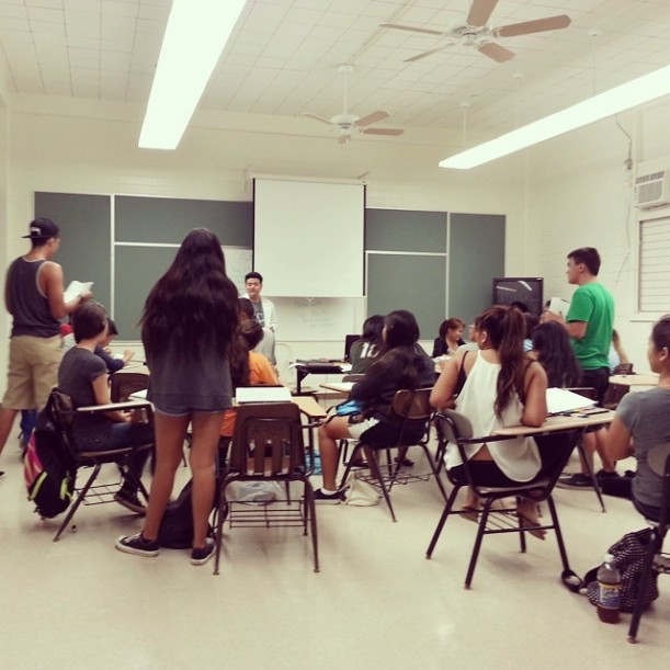 KCC lecturer David Uedoi teaching an ENG 100 course at Kaimuki High School