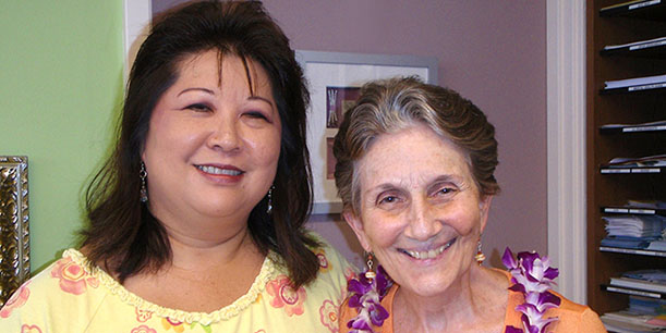 Cathy Wehrman, Single Parents and Displaced Homemakers (SPDH) Program, with retired faculty member Jill Abbott, who created a scholarship to help single-parent students. Photo: UH Foundation